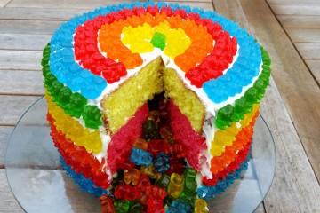 Gummy cake