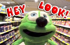 Hey Look! Silly Gummibär The Gummy Bear Video