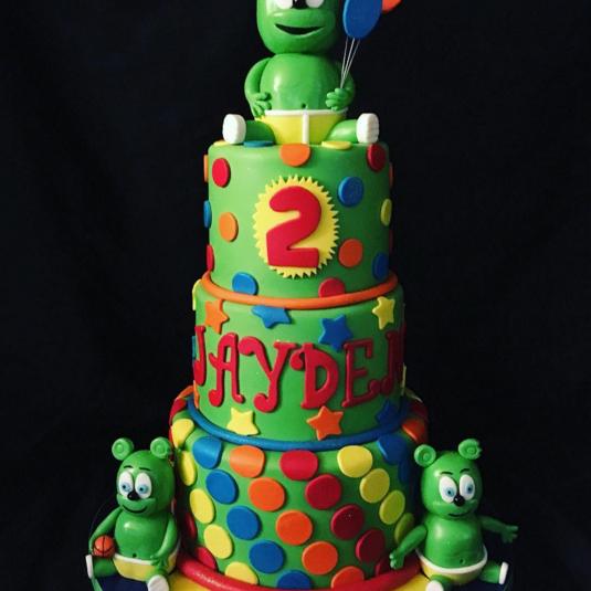 This birthday cake has Gummibär times THREE! - Gummibär