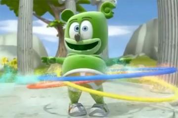 gummybear gummy bear song gummibar hula hooping