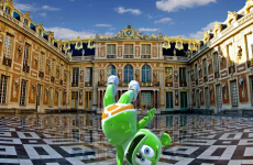 palace de versailles paris france travel gummy bear song gummibar i am a gummybear je m'appelle funny bear youtube youtuber animated cartoon web series