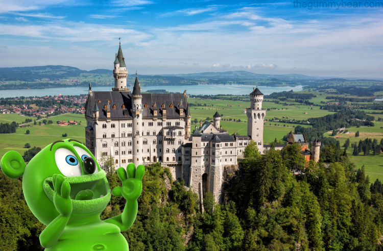 germany german neuschwanstein castle tourism travel blog destination cinderella castle disney gummibar gummybear i am a gummy bear song youtube youtuber animated cartoon web series kids childrens show