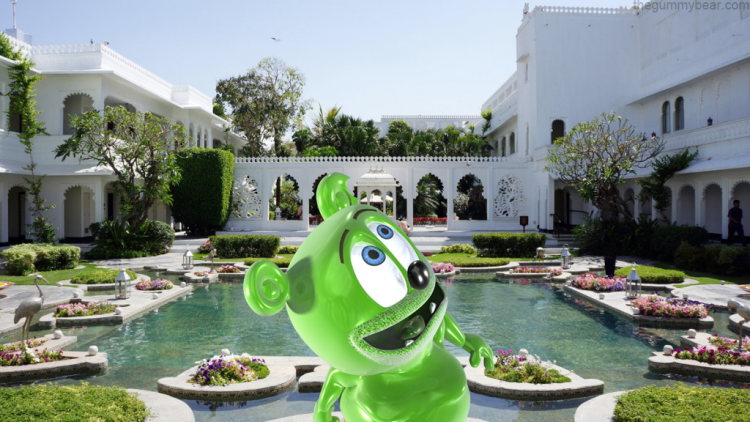 india lake palace tourism travel blog gummy bear song i am a gummy bear gummibar youtube youtuber