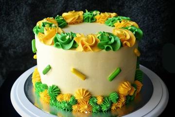 kids birthday cake mia's sweet treats gummibar gummy bear song birthday cake