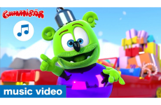 Jingle Bells - Gummibär - Gummy Bear Song Christmas Special